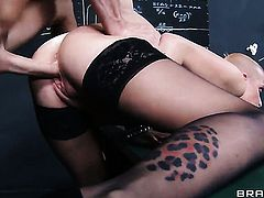 Johnny Sins fucks Joslyn James