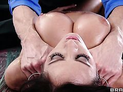 Johnny Sins shows nice sex tricks to Capri Cavanni with the help of his hard pole