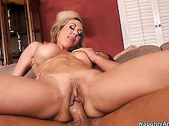 Rocco Reed explores the depth of eye-popping Brandi Loves wet slit with his meat stick