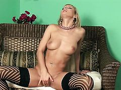 Vanessa Jordin cant stop playing with her wet spot