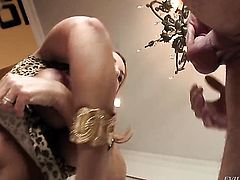 Janet Mason is one oral slut who gives guys meaty man meat a try