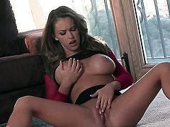 Delicious harlot Jenna Presley has toy-hungry muff