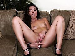 Miko Sinz with dripping wet snatch goes solo
