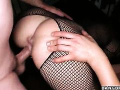 Claire Dames with juicy bottom and Kylee Reese stretch each others hole with enthusiasm