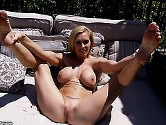 Blonde Tanya Tate with gigantic tits cant live a day without taking sex toy in her wet spot