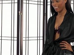 Black sexy chick wants to taste sugary white penis in massage parlor