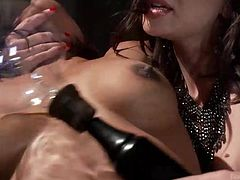 A slutty brunette babe with small tits finds herself at Lea's mercy. The sexy mistress imagines a kinky game, to please her ebony slave, after she ties her up strongly with inescapable ropes. Click to watch sensual Sasha, wearing electrodes attached on her hips, around her lusty pussy area... Enjoy the view!