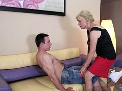 Do you like when a horny mature bitch gets on top? Click to watch slutty Eleanor taking control over her excited partner. She turns him over with passionate kisses and sensual movements, showing him how big her desire is to suck his cock. Enjoy!