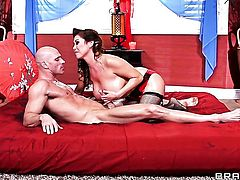Johnny Sins gets seduced by Kianna Dior with huge knockers and then drills her mouth