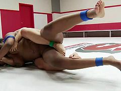 If you are into really tough lesbian activities, click to watch Penny and Lisa, fighting on the wrestling arena. The only rule is that the final winner gets to fuck the loser... Kinky, isn't it? Though the busty ebony bitch seems to dominate, the other hot bitch is also a first class rival. Enjoy the battle!