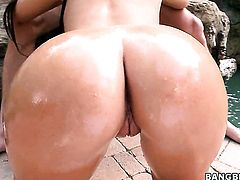 Ava Alvares with bubbly butt cant live a day without taking cum shot on her nice face
