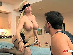 Horny guy licks kitty of delicious blind folded blondie Diamond Foxxx
