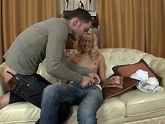 Provoking youngster has onto her knees