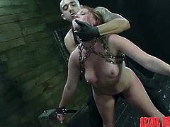 A redhead naked slave is terribly used by a horny master, who has bonded her with chains. Click to watch slutty Autumn Kline, fucked hard from behind, after the man takes off her gas mask. Enjoy the hardcore details!