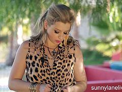 Sunny Lane Drives You Wild With Lust