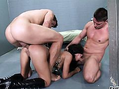 Ramon Nomar has fantastic oral sex with Lou Charmelle before she gets fucked in her butthole