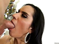 Tia Cyrus just loves to blow and cant say No to her hard cocked fuck buddy