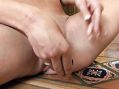 Amy Brooke touches her wet hole playfully