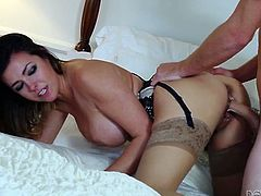 Stunning wife easily cheats on her husband with his worker