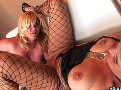 hot mature blondes make love on the sofa