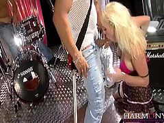 Rock singer Jamie Brooks gets a good pounding by her band mates in this no holes barred threesome.