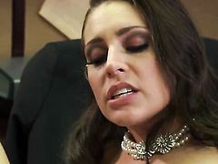 Gracie Glam is having sex in office