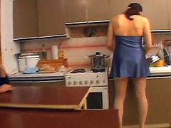 Play sex game that mov To See Nasty crashing inside A Kitchen