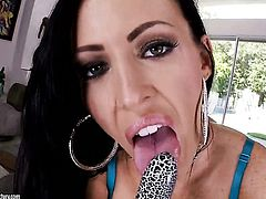 Chicana Jenna Presley spreads her legs to fuck herself, take sex toy in her dripping wet slit