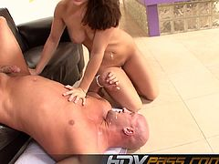 Sexy Brunette Gracie Glam Rimming And Blowing Cock