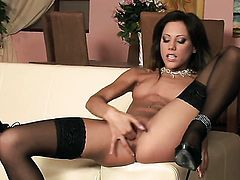 Anita Pearl with small breasts and bald twat puts on a solo show you must see