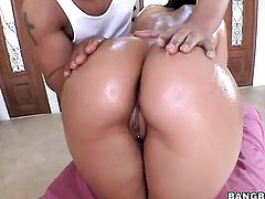 Big ass and tits sex massage