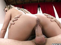 Samantha Saint is getting a creampie
