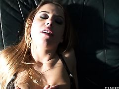 Blonde Nikky Thorne enjoying the earth moving fuck