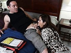 Romeo Price cant wait any longer to insert his snake in unbelievably hot Francesca Les love tunnel