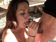 Talia Palmer asks her fuck buddy to shove his erect meat stick in her mouth