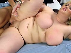 Blonde BBW sucks and fucks pussy andr booty