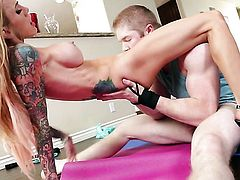 Sarah Jessie is on the edge of nirvana with guys throbbing pole in her mouth