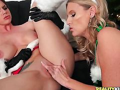 Blonde Brooklyn Chase with gigantic boobs and trimmed pussy gets her fuck hole eaten by lesbian Brianna Ray in a variety of sex positions