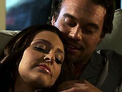 Enchanting hooker Gracie Glam gets mouth slammed by horny guy
