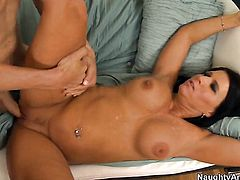 Chris Johnson gets turned on to the point of no return by Hot blooded kitty Kendra Secrets and then fucks her wet hole