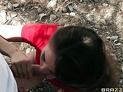 Riley Reid finds her mouth filled with Johnny Sinss throbbing worm