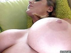 Sophie Dee opens her fuck box to be slammed interracially