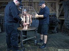 Abigail Dupree literally looks like a bird in a cage. Click to watch this bald babe, tightly compressed in a metal bondage cage, with no chance to escape from her tormentors. Don't miss the inciting scenes! Enjoy!