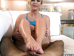 Blonde Phoenix Marie is a handjob addict