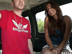 Brunette Janessa Price enjoys guys thick erect pole in her juicy mouth