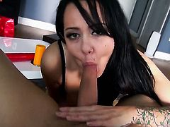 Taylor Pink lets dude shove his sturdy meat pole in her mouth