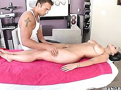 Brunette Liza Del Sierra with big melons is on the edge of nirvana with cum in her mouth