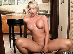 Blonde Brianna Beach is in sexual ecstasy with throbbing snake in her hands