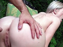 Blonde porn diva Isabella Clark finds herself sucking mans rock solid fuck stick