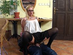 Who needs lube, when you can use piss instead? She stands over her man as he lays on the floor with a hard cock. The hot slut lets streams of golden nectar out of her cunt onto his cock and then rides him. Instead of cumming all over her cute face, he sprays her with warm piss.